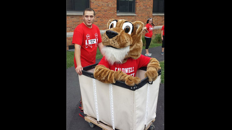 Caldwell Mascot for official welcome of Freshman in Move In Day