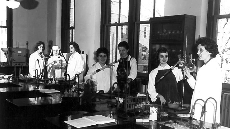 Organic Chemistry Class from the late 1950s