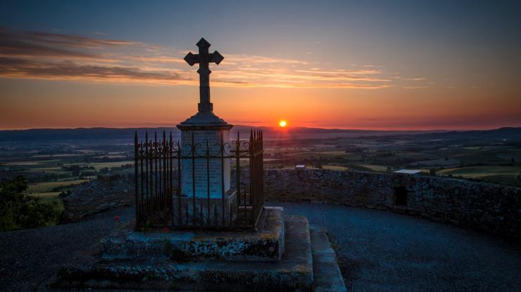 Sunrise at Saint Domenics Cross