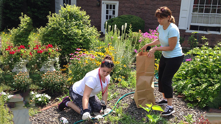 Students at Freshman Service Day for Orientation
