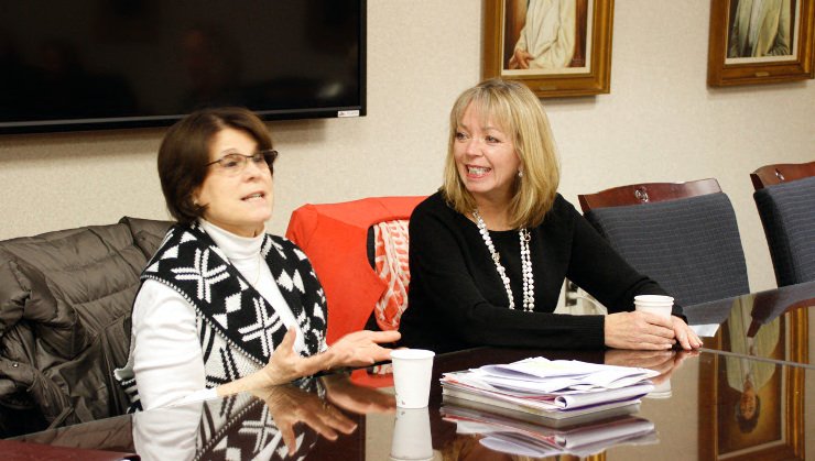 Michele Brown (right), president of Choose New Jersey, was invited by Dr. Barbara Chesler (left), vice president of academic affairs, to speak about Choose New Jersey's work in making more internships in the Garden State available to students.