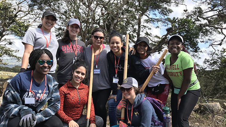Picture of nursing students on Medical Mission in Nicaragua
